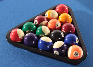 Free pool table accessories supplied with the Tekscore Folding Pool Table