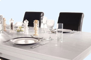 Tableware on the Amalfi pool dining table