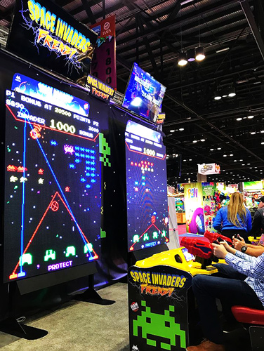 Space Invaders Frenzy arcade machine in play
