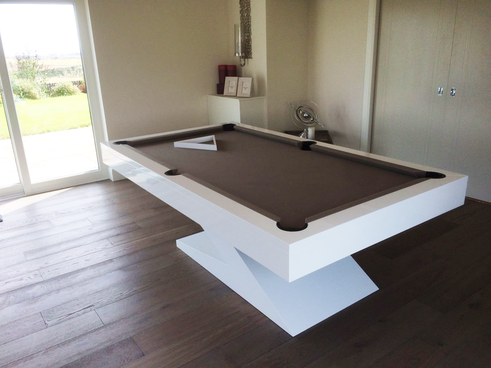 Elegant Zen Pool Table In White